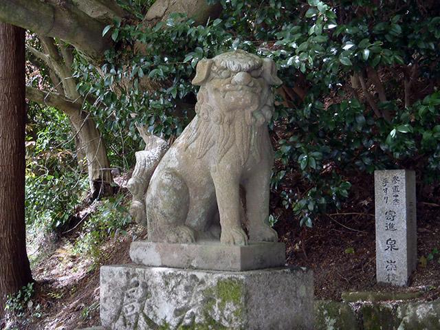 吽像の狛犬