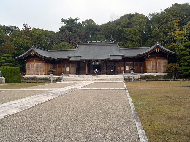 山口護国神社 社殿