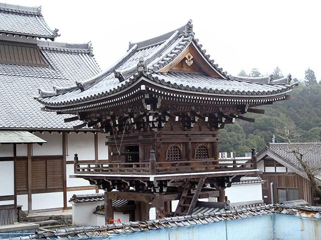 常栄寺 本殿から見た鐘楼門