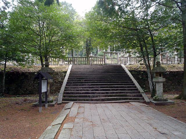 香山公園 うぐいす張りの石畳
