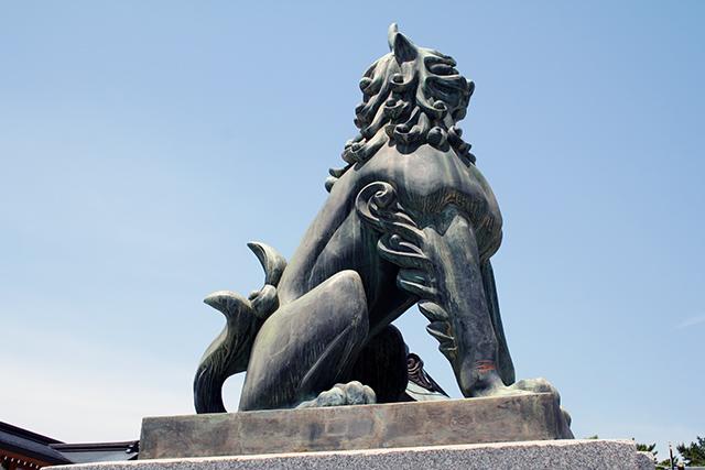 護国神社 入口 狛犬(左)
