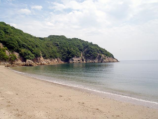 彦浦の砂浜