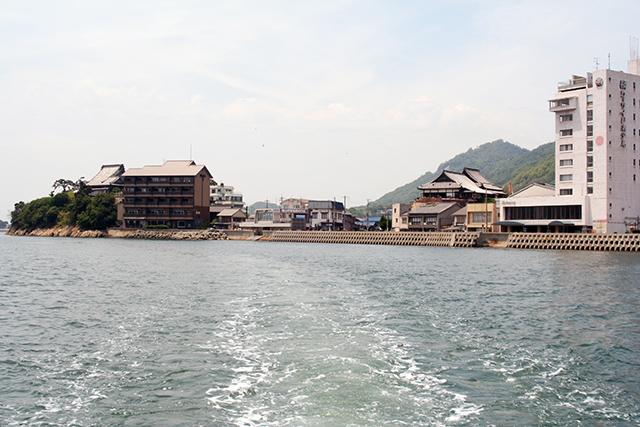 鞆の浦側の桟橋周辺