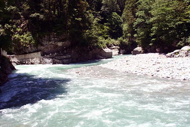河原園地周辺の急流