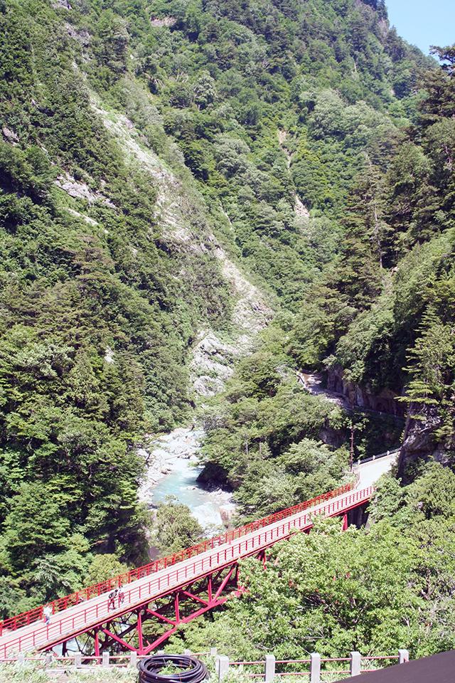 欅平駅展望台から祖母谷渓谷