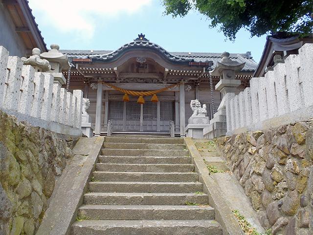 日吉神社 社殿と石段