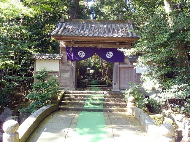 瀧谷寺 総門