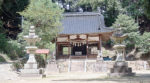 石燈籠と拝殿