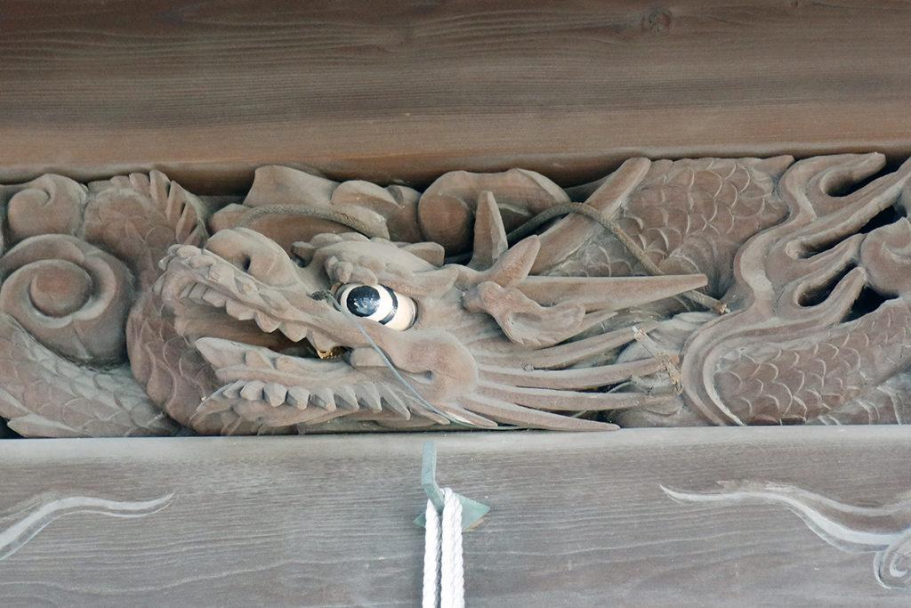 龍の宮彫り