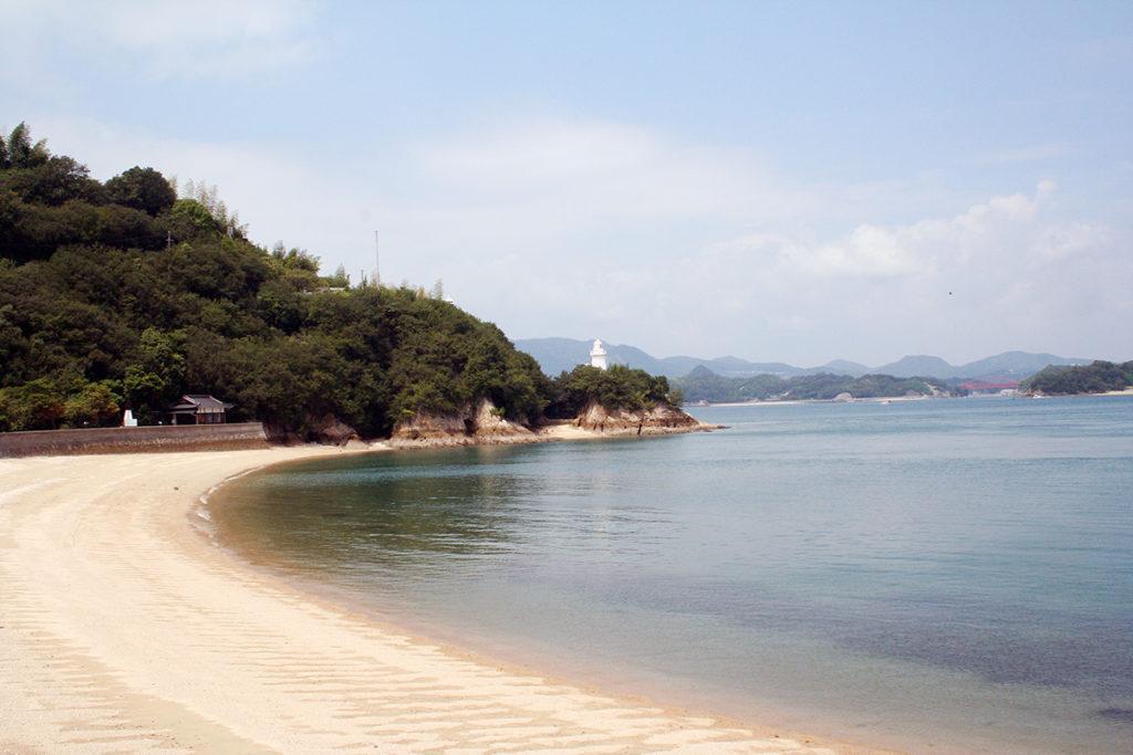 東側砂浜から