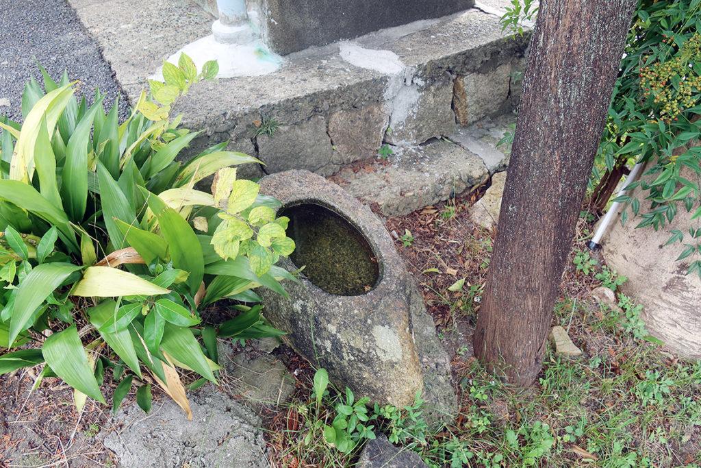 八剣神社 手水鉢