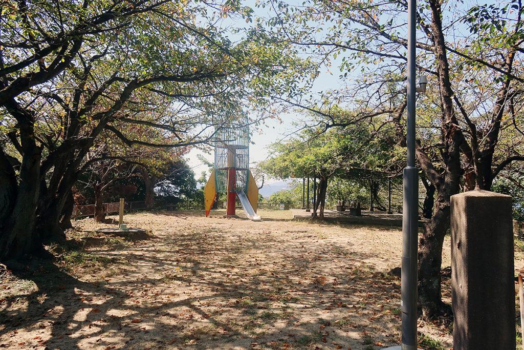 串山公園・山頂付近