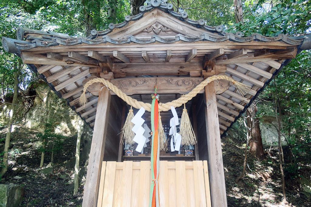稲荷神社 お社
